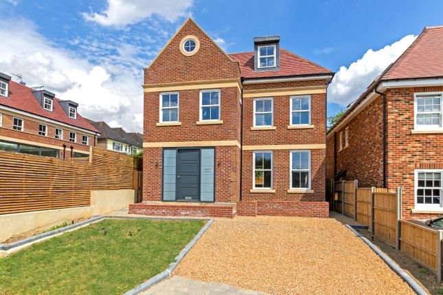 Thumbnail Detached house for sale in Calder Avenue, Brookmans Park, Hatfield