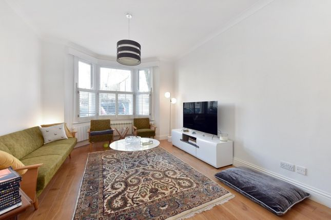 Thumbnail Property to rent in Bronsart Road, Fulham