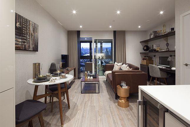 Thumbnail Flat to rent in Drum Street, Aldgate