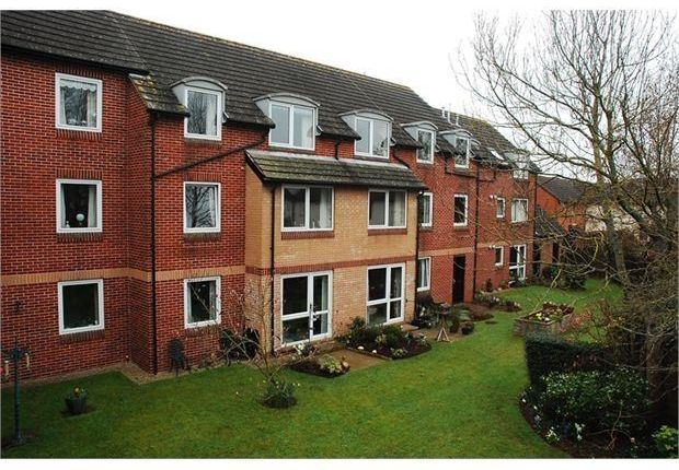 Thumbnail Flat for sale in Salisbury Road, Newton Abbot, Devon.