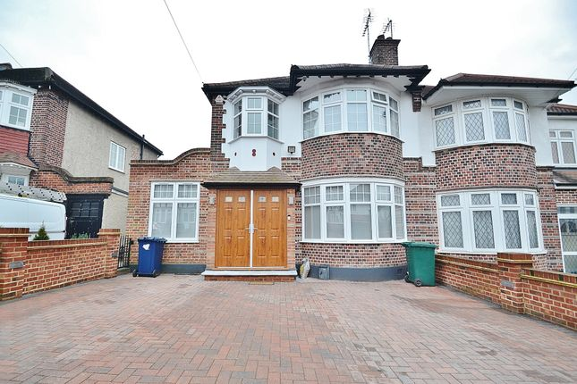 3 bed semi-detached house to rent in High Road, Whetstone