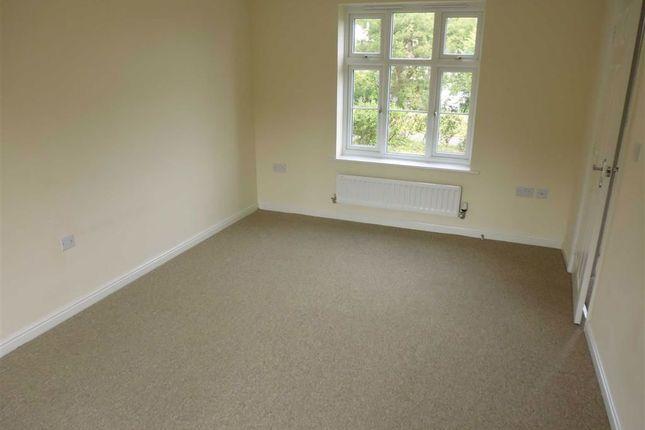 Living Room of Harrolds Close, Dursley GL11