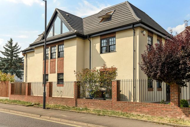 Thumbnail Detached house for sale in Meadow Road, Pinner, Middlesex