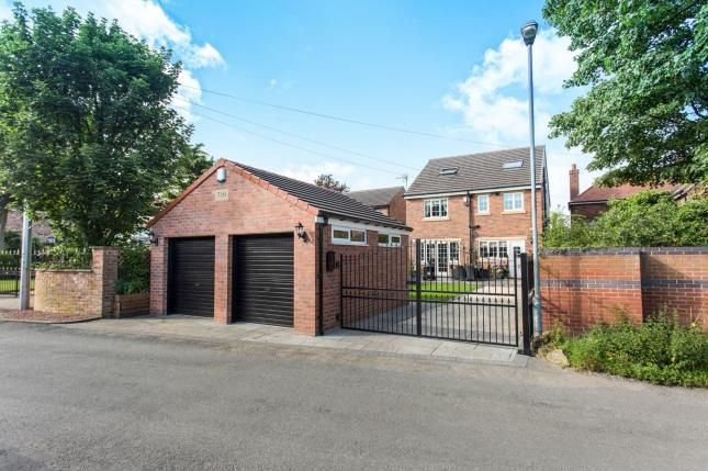 Thumbnail Detached house for sale in Doncaster Road, Crofton, Wakefield, West Yorkshire