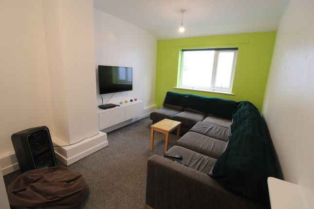 Thumbnail Shared accommodation to rent in Ladywell Street, Preston
