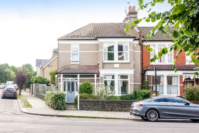 Thumbnail Flat for sale in Warwick Road, Bounds Green
