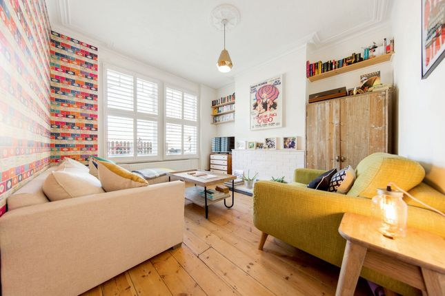 2 bed flat for sale in Kingswood Road, London, London