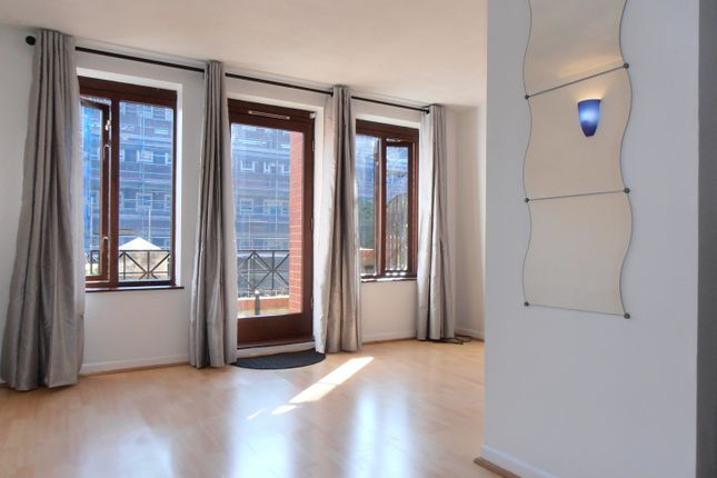 Thumbnail Flat to rent in Discovery Walk, London