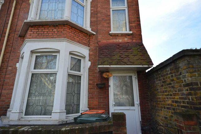 4 bed semi-detached house to rent in St`Mary Street, Plaistow E13