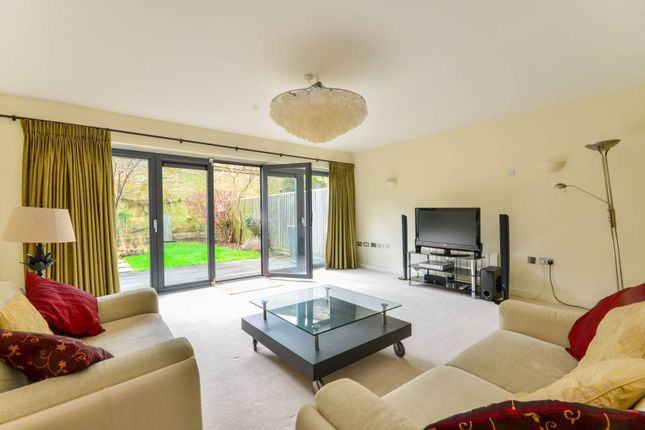 Thumbnail Terraced house to rent in Axis Court, Greenwich
