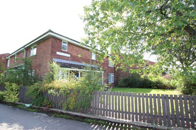 Thumbnail Flat to rent in Kingfisher Close, Bransholme, Hull