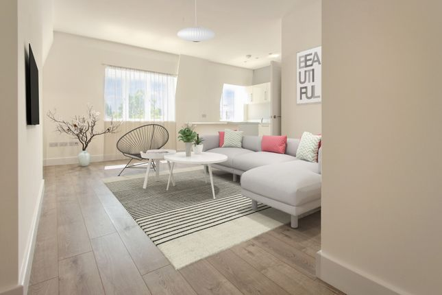 Thumbnail Flat to rent in Station Road North, Redhill, Surrey