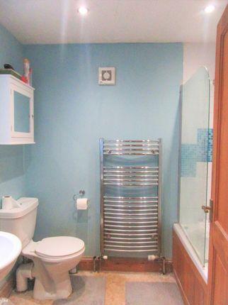 Bathroom of Seago Street, Lowestoft NR32