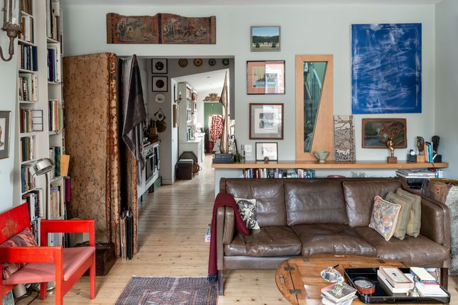 2 bedroom maisonette for sale in Heneage Street, London