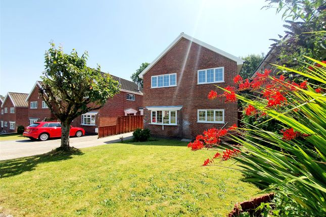 Thumbnail Detached house for sale in Clos Glyndwr, Pontarddulais, Swansea