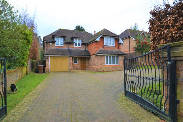 Thumbnail Detached house to rent in Goodyers Avenue, Radlett