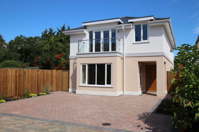 Thumbnail Detached house for sale in Gordon Hill, Enfield