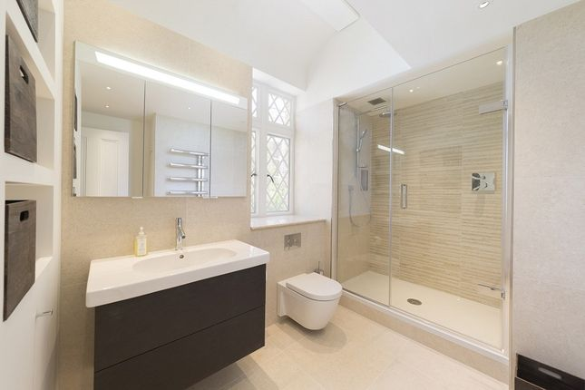 Thumbnail Property to rent in Stone Hall Gardens, London