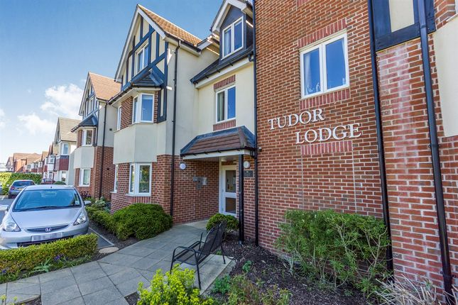 Thumbnail Flat for sale in Warwick Road, Solihull