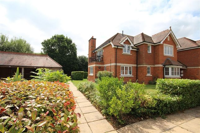 Thumbnail Flat for sale in Bonhomie Court, Broadcommon Road, Hurst