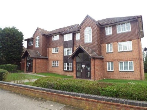 Thumbnail Flat for sale in Waverley Road, Enfield, Hertfordshire
