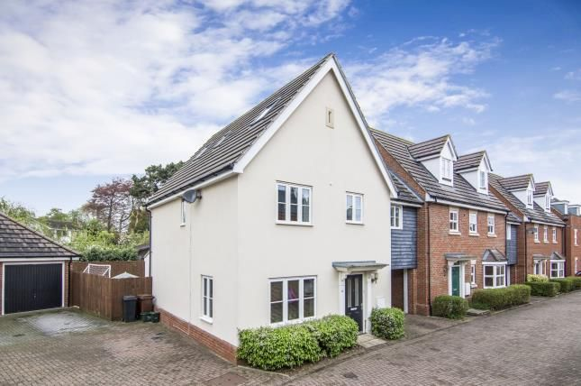 Thumbnail Link-detached house for sale in Great Baddow, Chelmsford, Essex