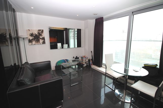 Studio to rent in Pan Peninsula Square, West Tower, Canary Wharf