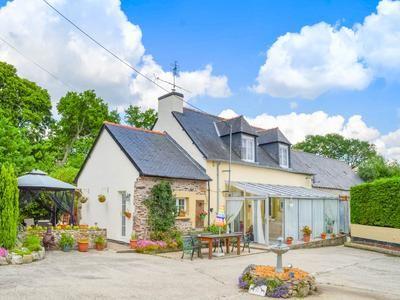 2 bed property for sale in Hemonstoir, Côtes-D'armor, France