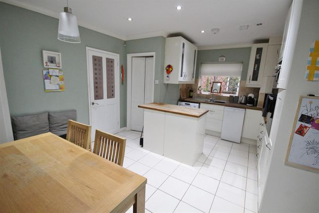 Kitchen of Abbots Road, Selby YO8