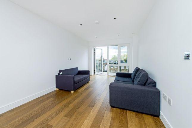 Thumbnail Flat for sale in Fitzroy House, Dickens Yard, Longfield Avenue, Ealing Broadway