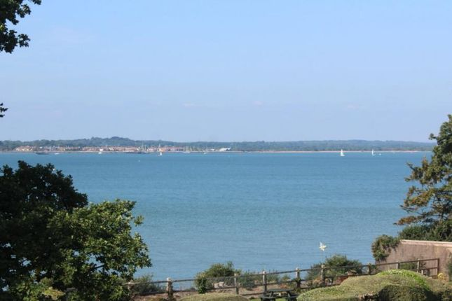 2 bed flat to rent in Victoria Road, Netley Abbey, Southampton, Hants SO31