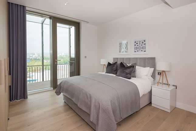 Thumbnail Flat to rent in 1 Canal Reach, London