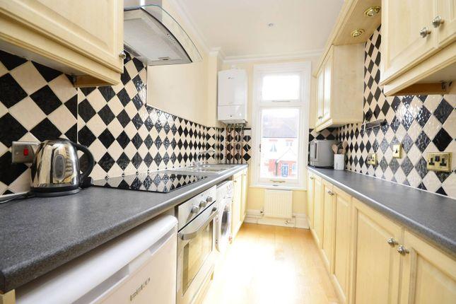 Thumbnail Flat to rent in Hazlewell Road, Putney