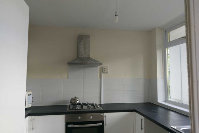 Thumbnail Flat to rent in Brownsdale Road, Rutherglen, Glasgow