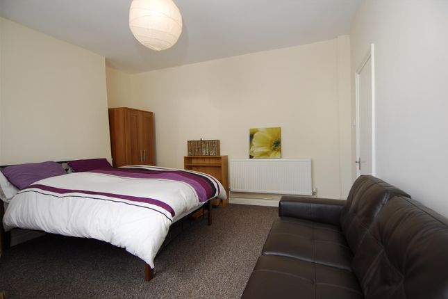 Thumbnail Flat to rent in North Street, Gf, Plymouth