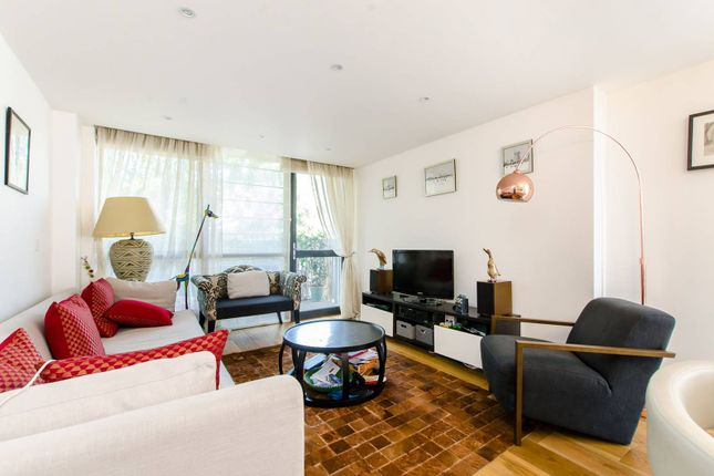 2 bed flat for sale in Allgood Street, Shoreditch