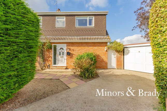 4 bed detached house for sale in Harker Way, Blofield, Norwich NR13
