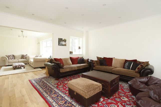 Thumbnail Flat to rent in Middle Field, St John's Wood