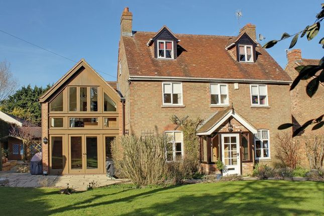 Thumbnail Detached house for sale in Main Street, East Challow, Wantage