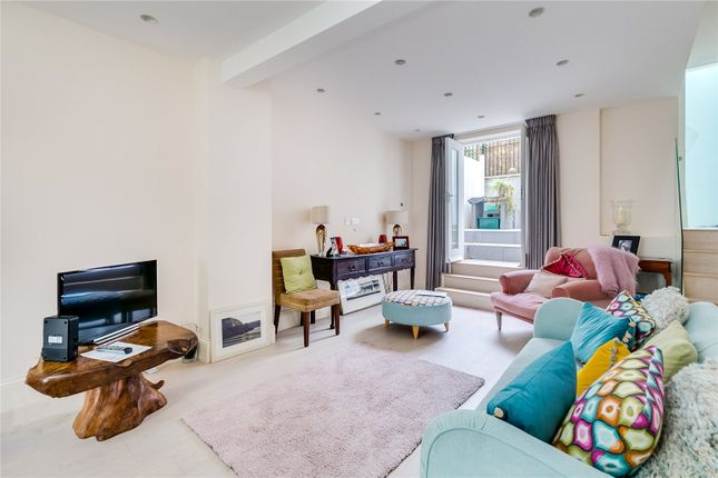 Terraced house to rent in St. Peter's Street, London