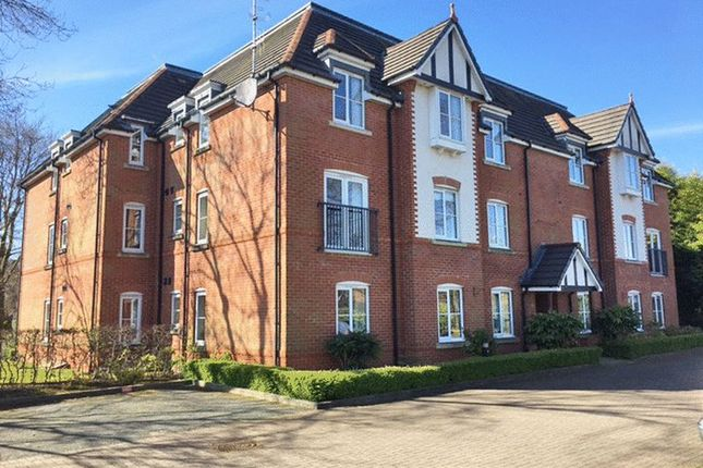 2 bed flat to rent in Wigan Road, Standish, Wigan