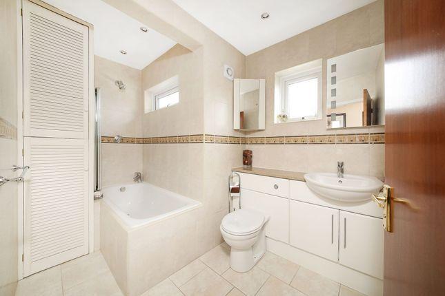 Bathroom of The Grove, West Wickham BR4