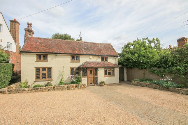 Thumbnail Cottage for sale in Lower Road, Forest Row