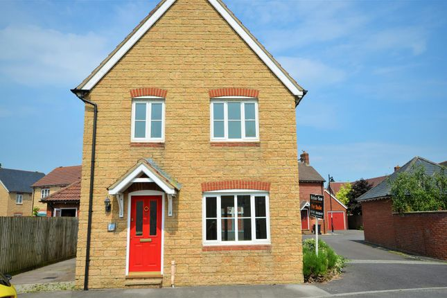 Thumbnail Detached house to rent in Marlott Road, Gillingham