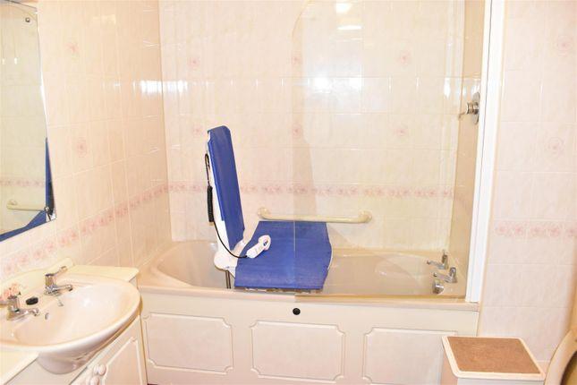 Bathroom of Albion Place, Northampton NN1