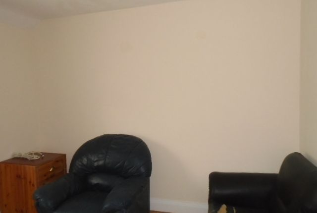 Thumbnail Flat to rent in Balmoral Drive, Hayes