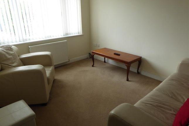 Thumbnail Flat to rent in Springhead Court, Hotham Road South, Hull