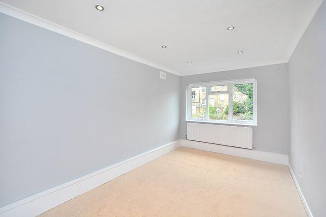 Bedroom of Banbury Road, Hackney E9