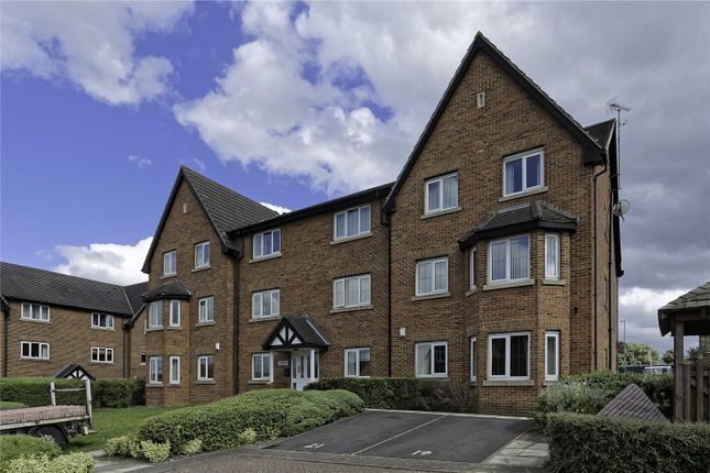 Thumbnail Flat for sale in Pavilion Close, Stanningley, Pudsey, Leeds