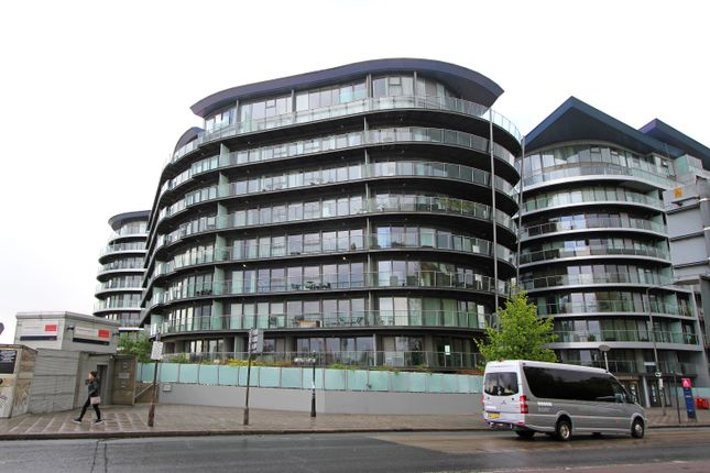 Thumbnail Flat to rent in 334 Chelsea Bridge Wharf, Battersea Park, London